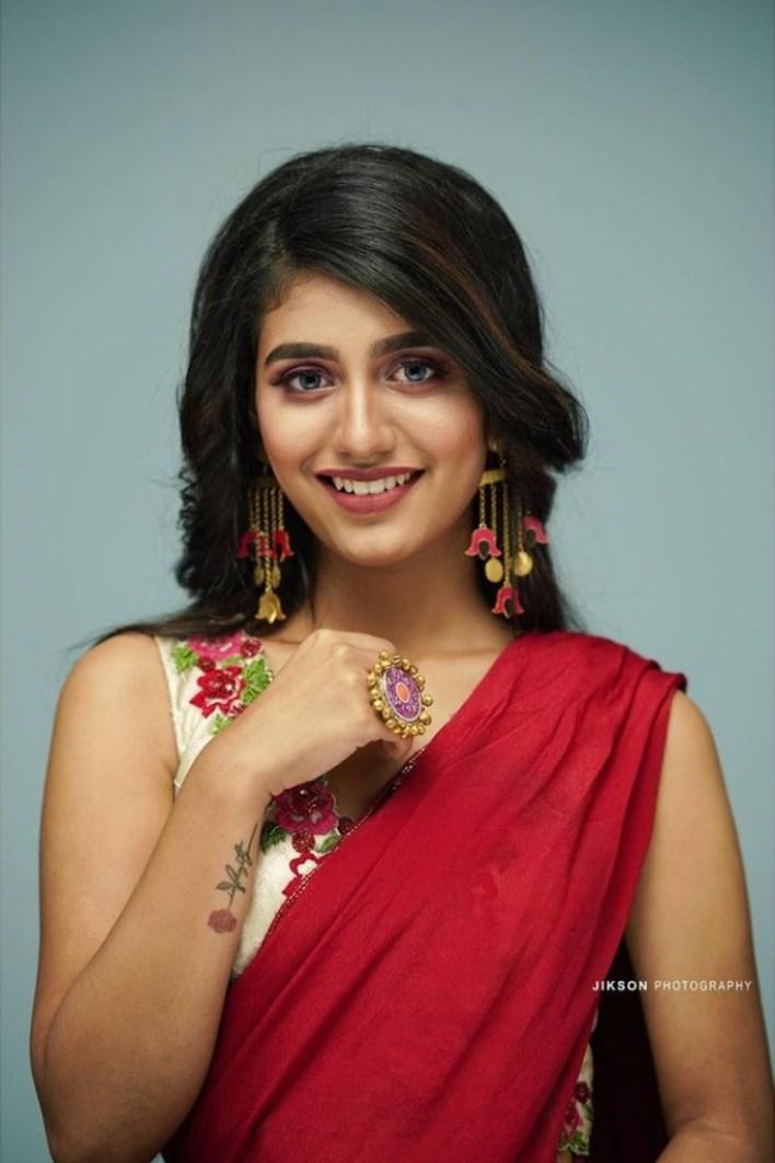 108+ Cute Photos of Priya Prakash Varrier 62