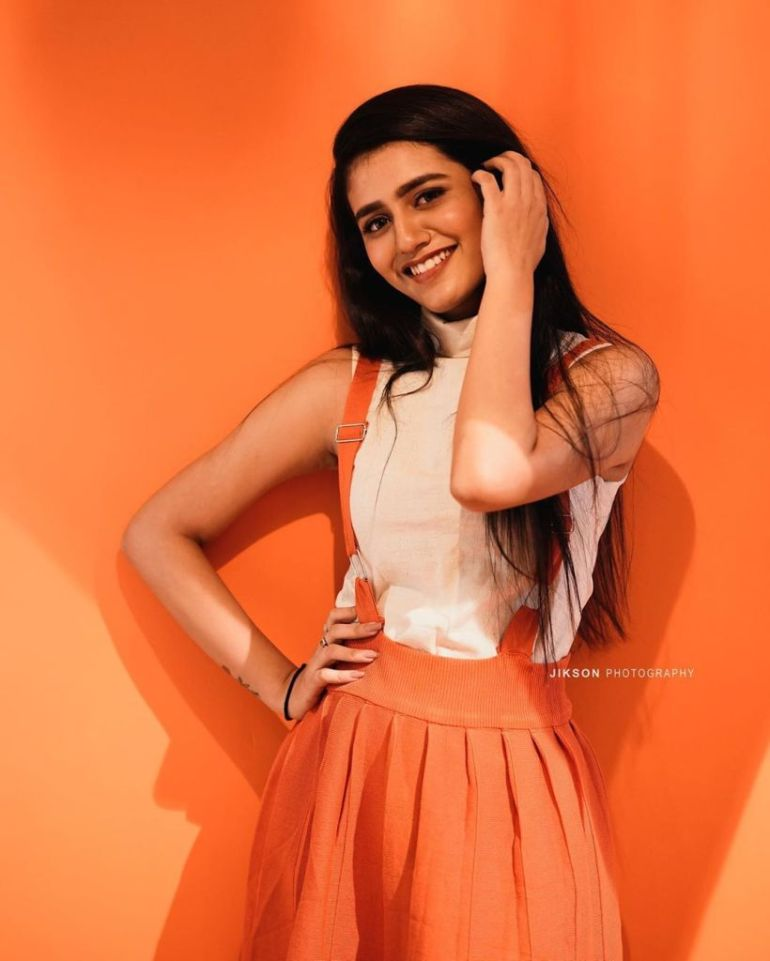 108+ Cute Photos of Priya Prakash Varrier 159