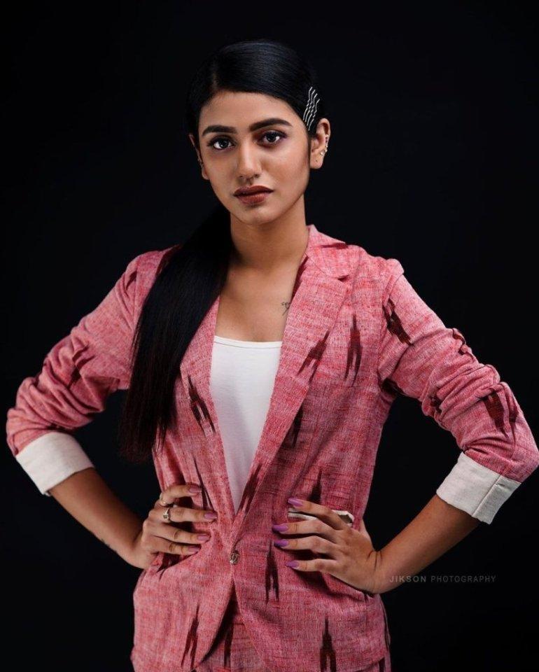 108+ Cute Photos of Priya Prakash Varrier 161