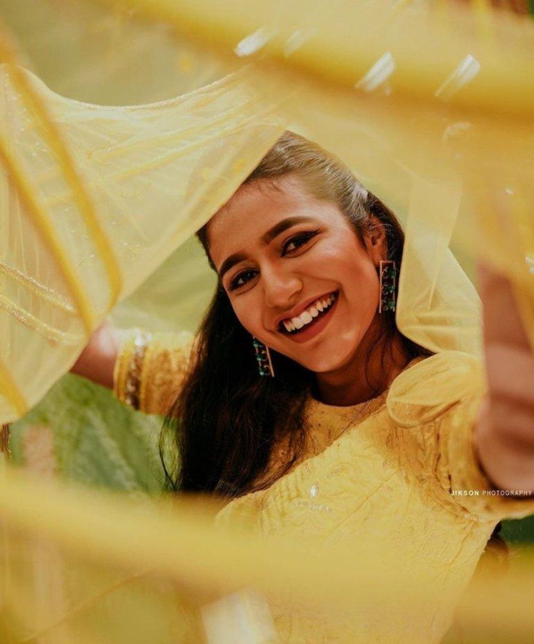 108+ Cute Photos of Priya Prakash Varrier 168