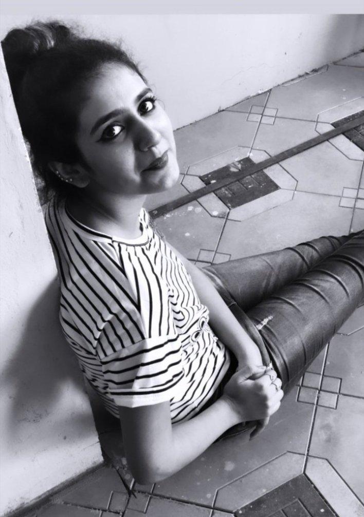 108+ Cute Photos of Priya Prakash Varrier 95