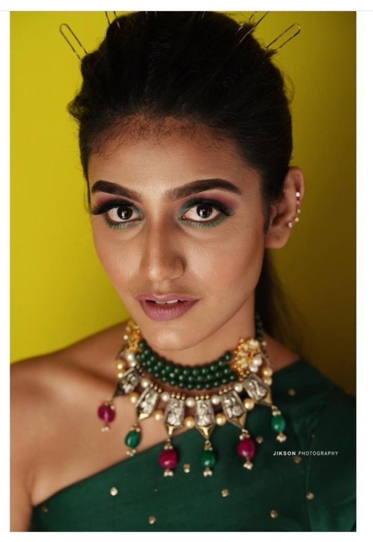 108+ Cute Photos of Priya Prakash Varrier 96