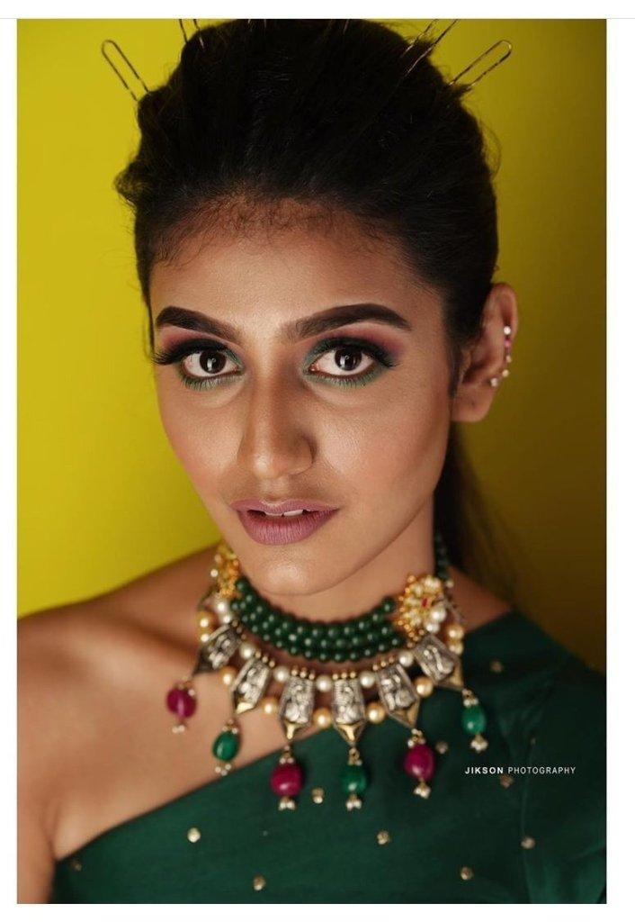 108+ Cute Photos of Priya Prakash Varrier 180