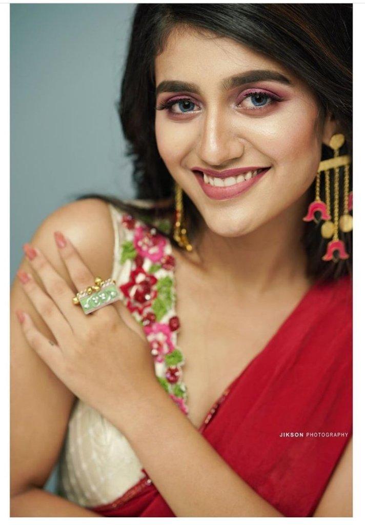 108+ Cute Photos of Priya Prakash Varrier 182