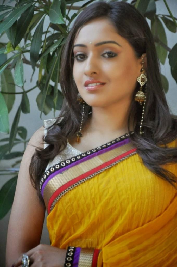 21+ Lovely Photos of Anjana Deshpande 4