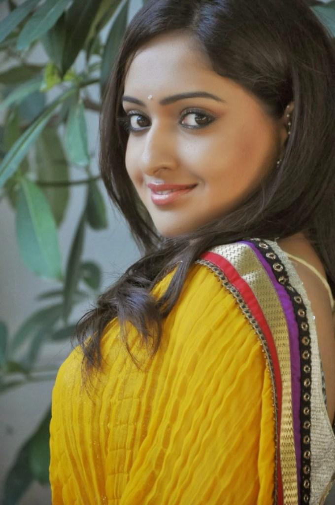 21+ Lovely Photos of Anjana Deshpande 5
