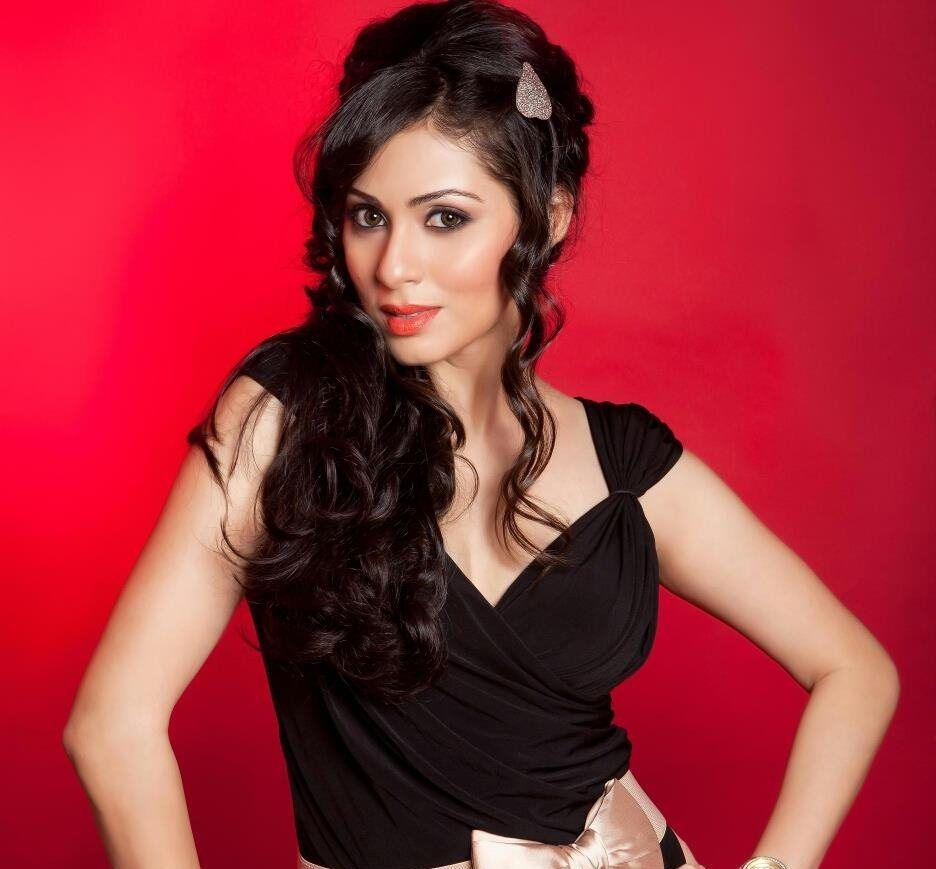 44+ Lovely Photos of Sadha 8