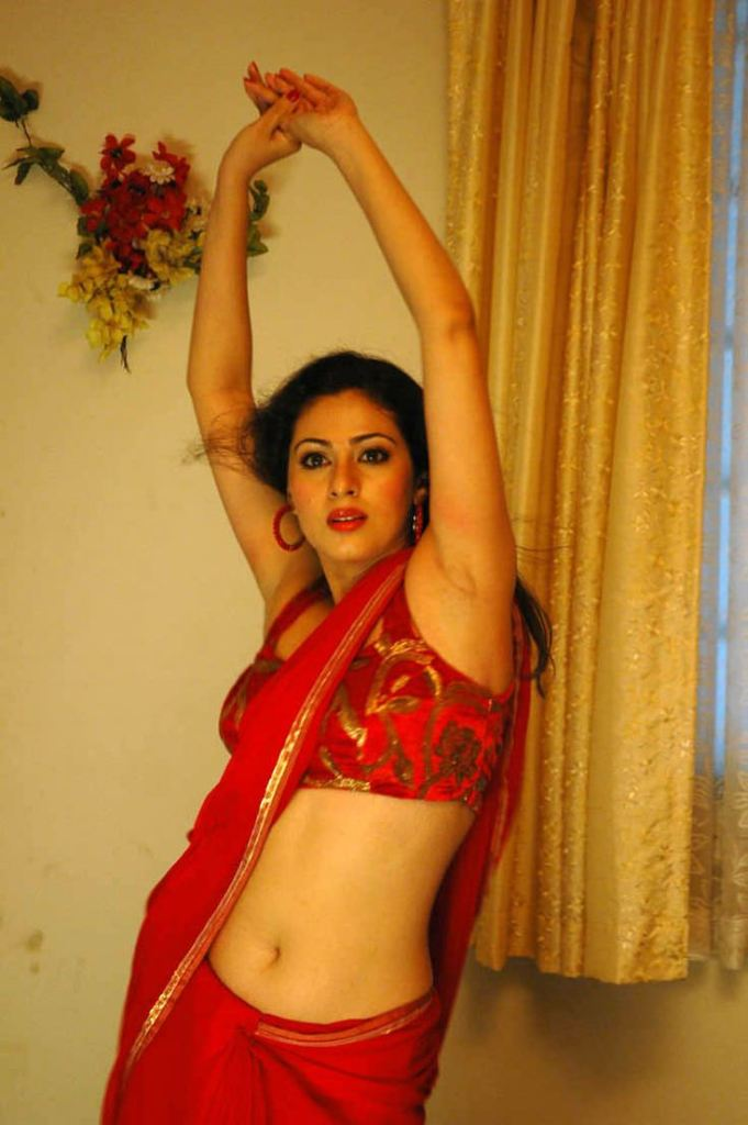 44+ Lovely Photos of Sadha 10