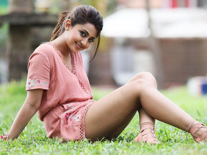 31+ Gorgeous Photos of Aindrita Ray 32