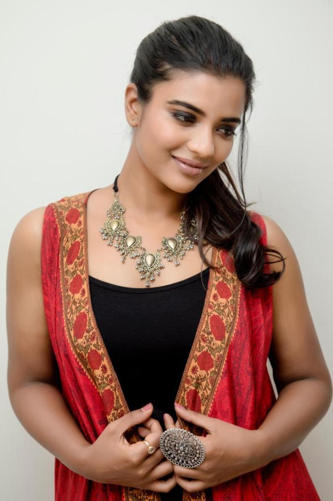 37+ Gorgeous Photos of Aishwarya Rajesh 22