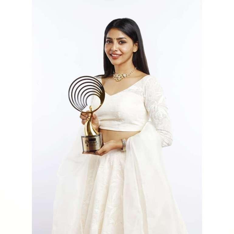 60+ glamorous Photos of Aishwarya Lekshmi 102