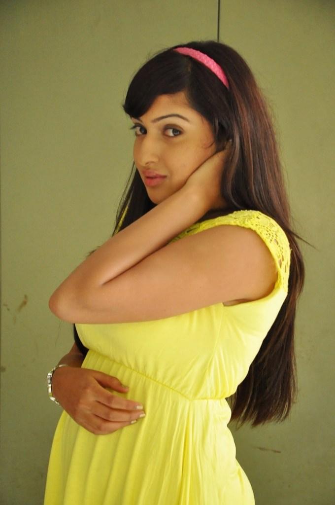 21+ Lovely Photos of Anjana Deshpande 19