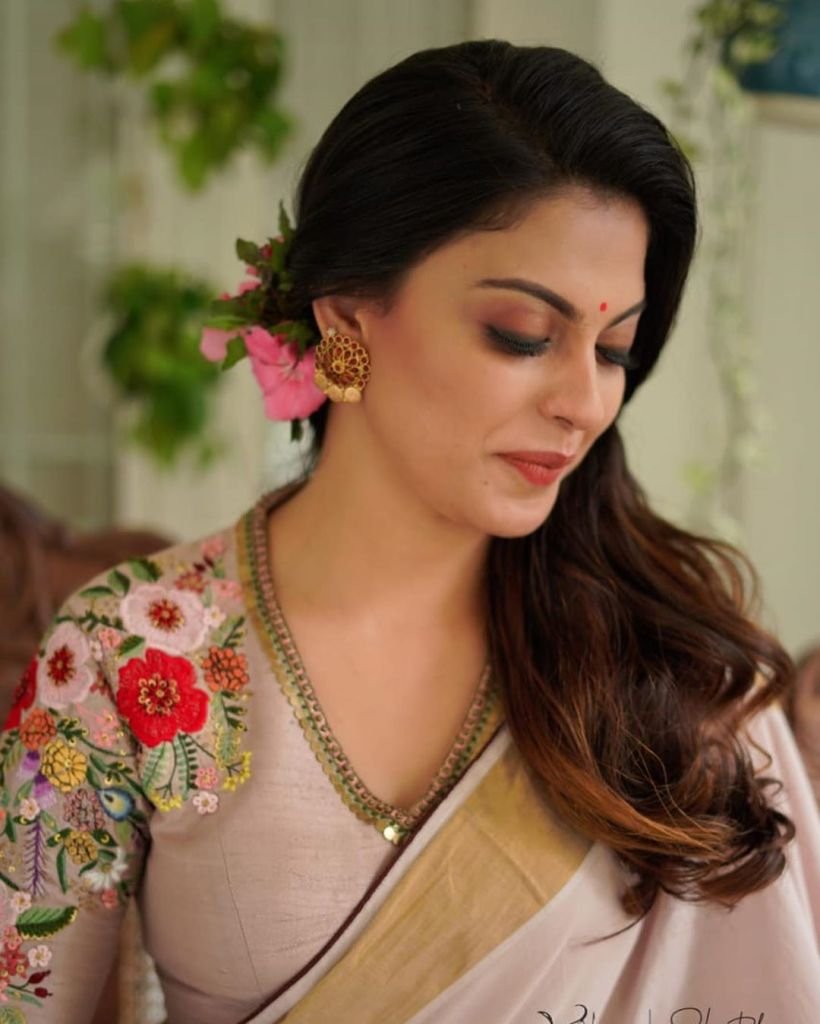 Check out this 89+ HD Photos of Anusree 81