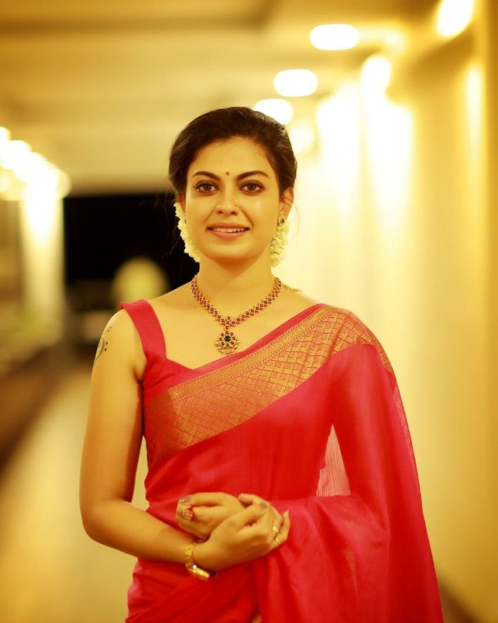 Check out this 89+ HD Photos of Anusree 12