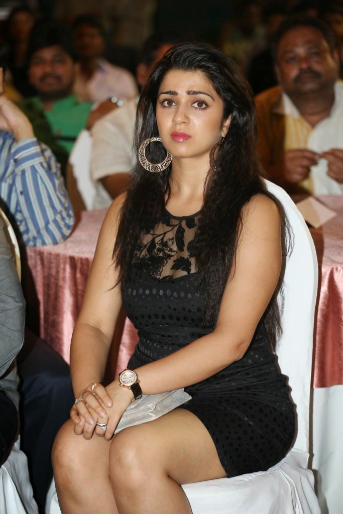 27+ Beautiful Photos of Charmy Kaur 7