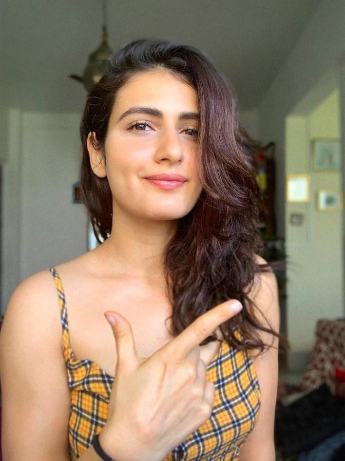 74+ Gorgeous Photos of Fathima Sana Shaikh 16
