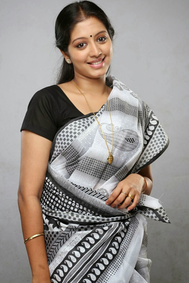 43+ Cute Photos of Gopika 3