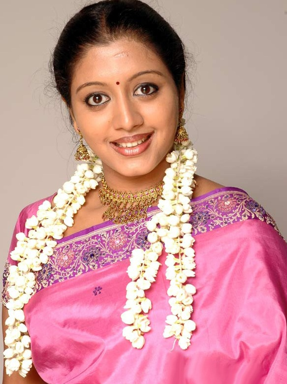 43+ Cute Photos of Gopika 40