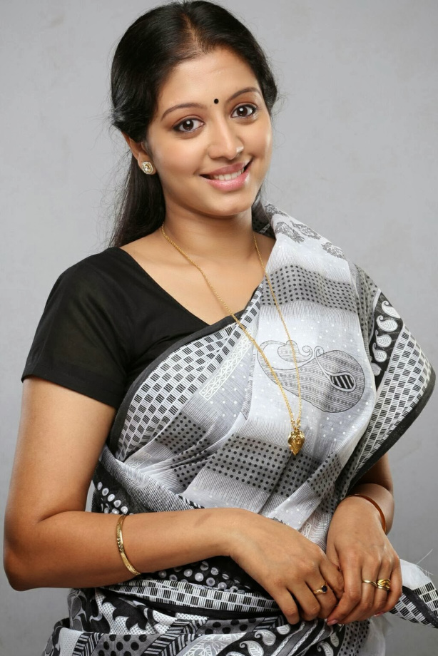43+ Cute Photos of Gopika 42