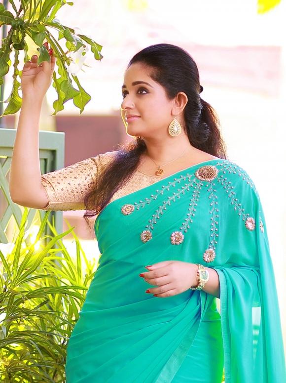 53+ Gorgeous Photos of Kavya Madhavan 127