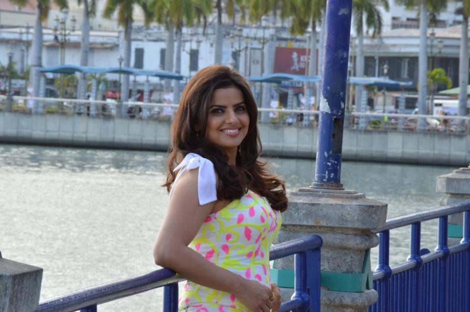 54+ Beautiful Photos of Madhu Sharma 33