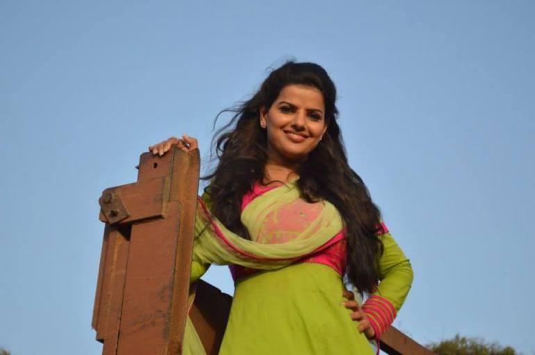 54+ Beautiful Photos of Madhu Sharma 117
