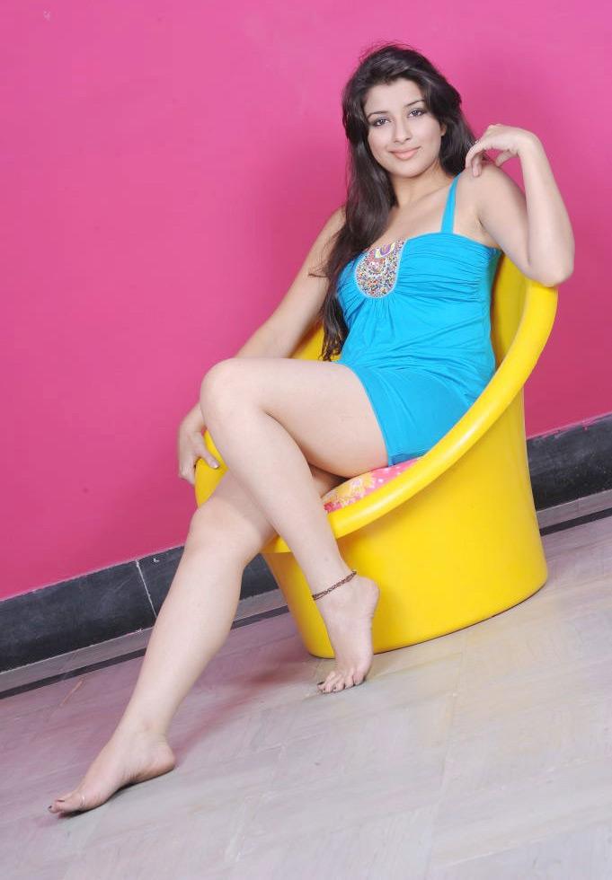 49+ Gorgeous Photos of Nyra Banerjee 113