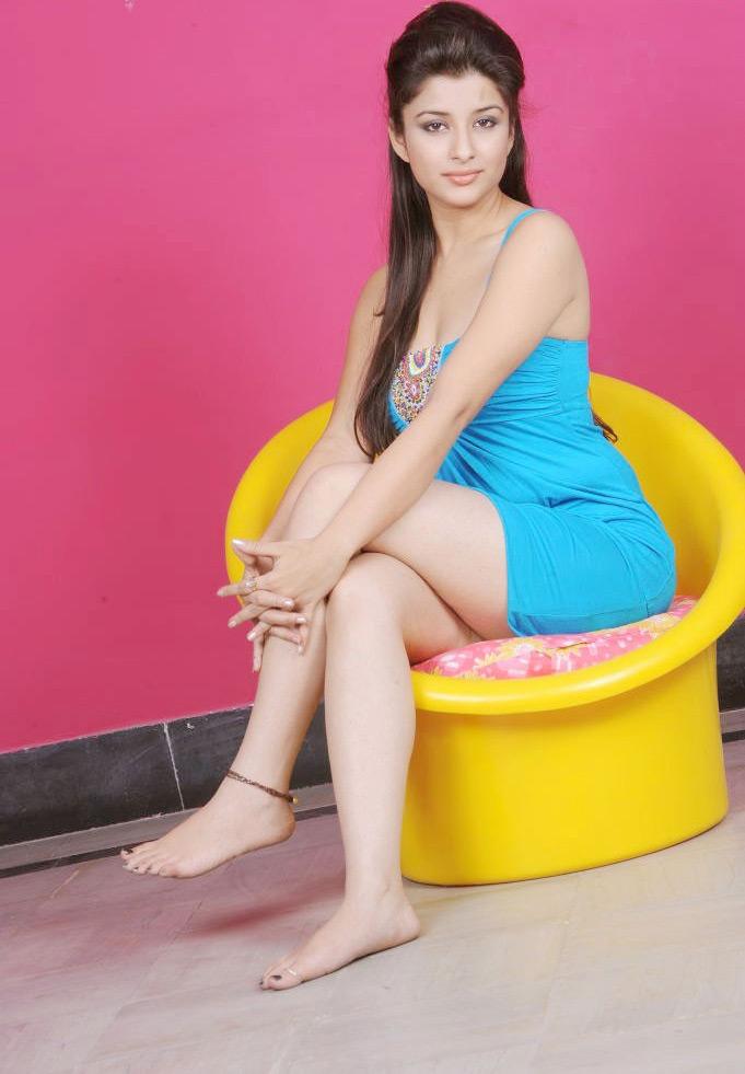 49+ Gorgeous Photos of Nyra Banerjee 122