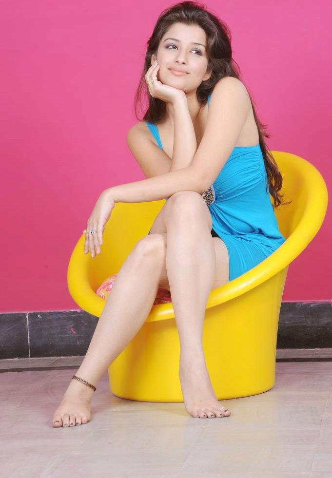 49+ Gorgeous Photos of Nyra Banerjee 130