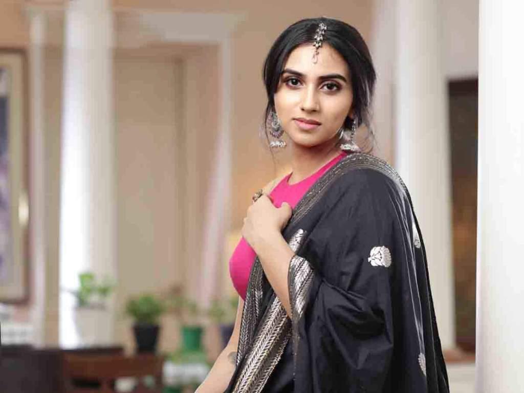 42+ Beautiful Photos of Malavika Jayaram 44