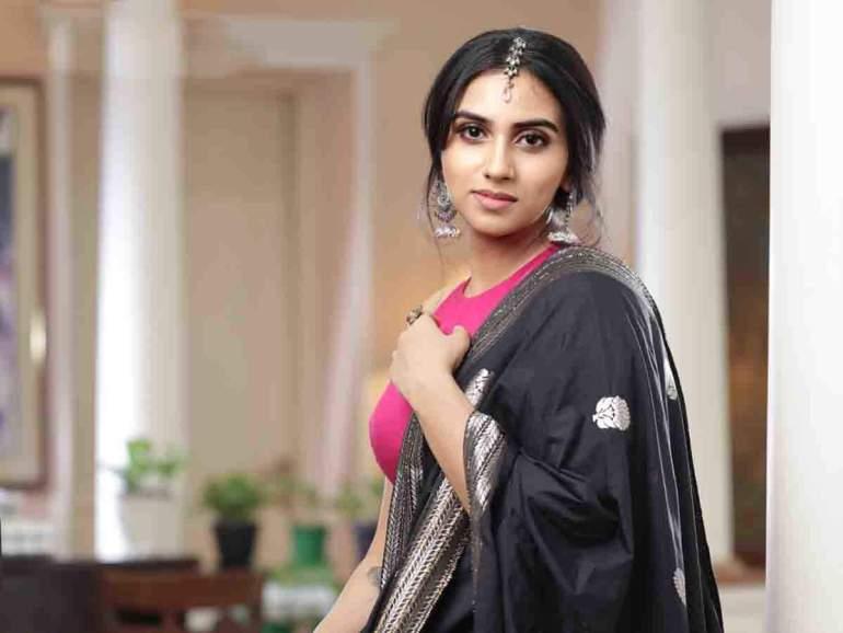 42+ Beautiful Photos of Malavika Jayaram 127