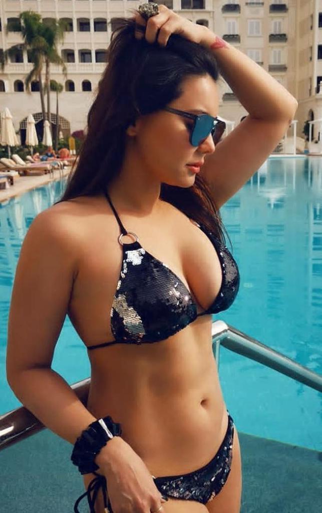 35+  Stunning Photos of Minissha Lamba 36