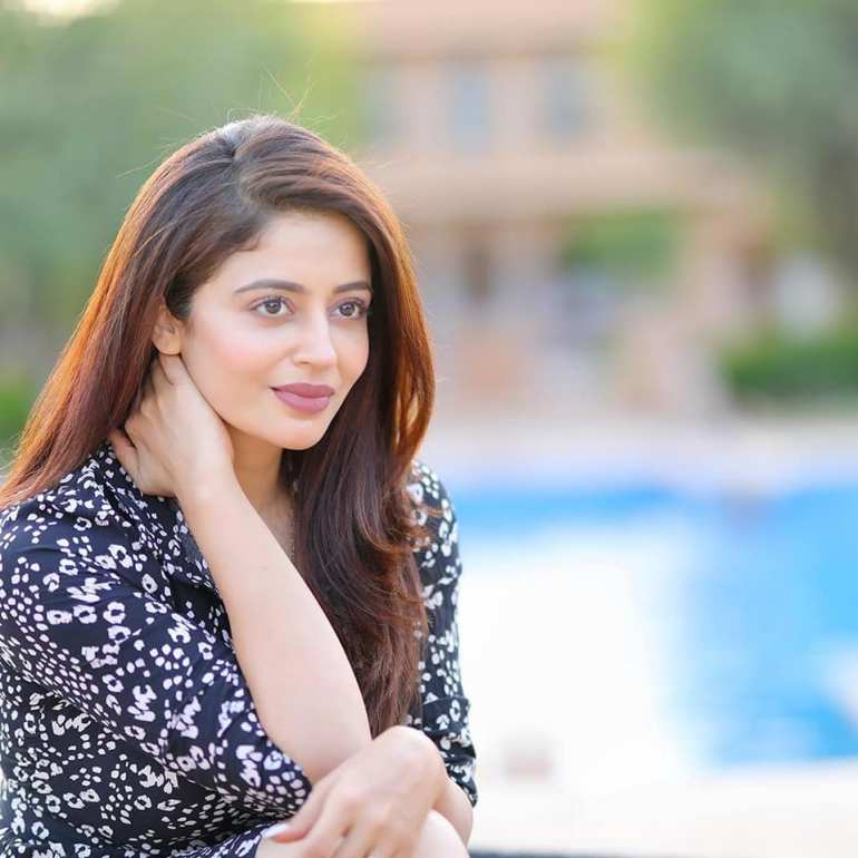 40+ Gorgeous Photos of Neha Pendse 63