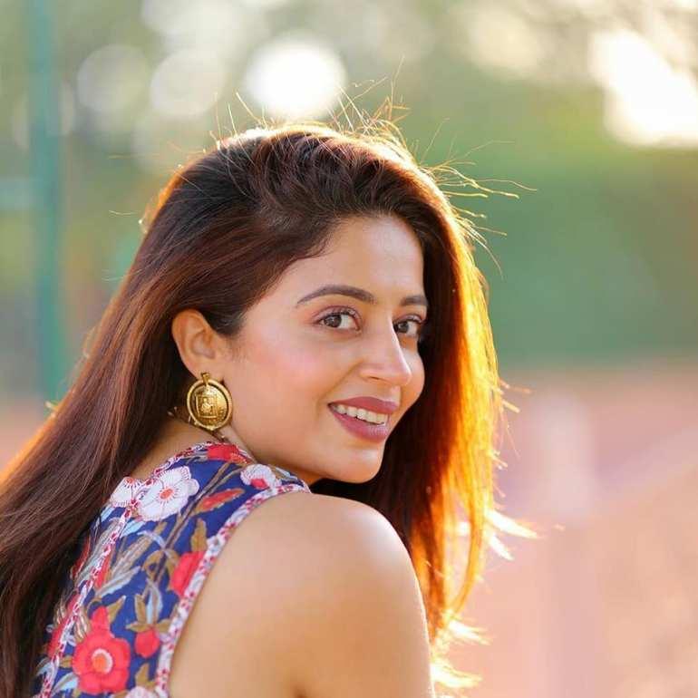 40+ Gorgeous Photos of Neha Pendse 71