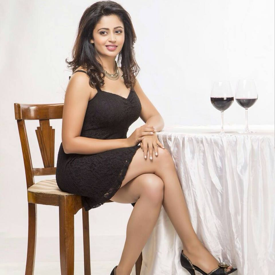 40+ Gorgeous Photos of Neha Pendse 41