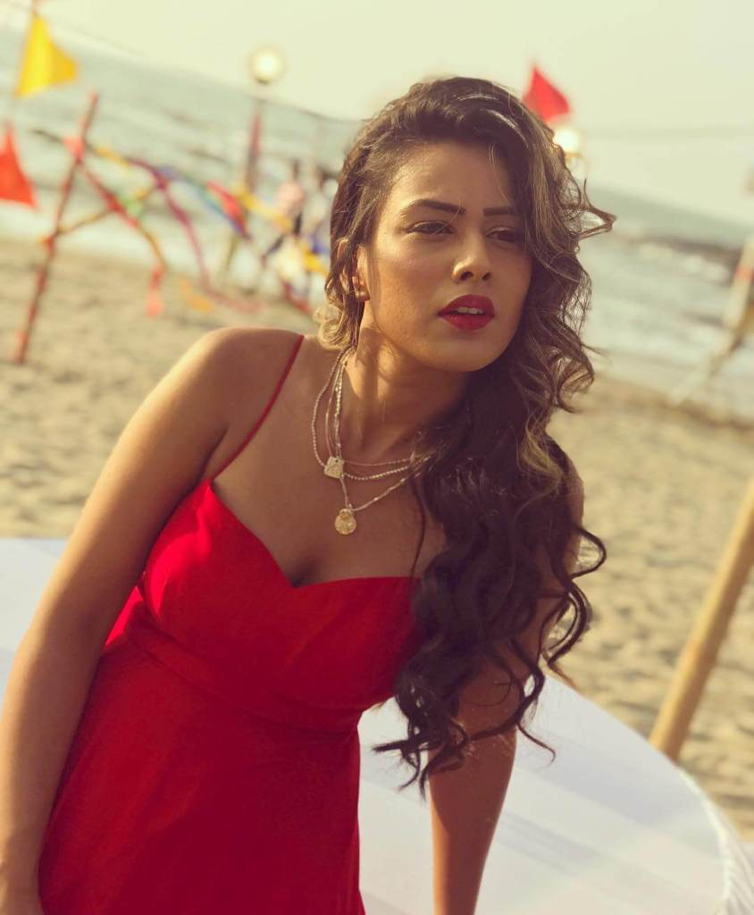 40+ Glamorous Photos of Nia Sharma 39