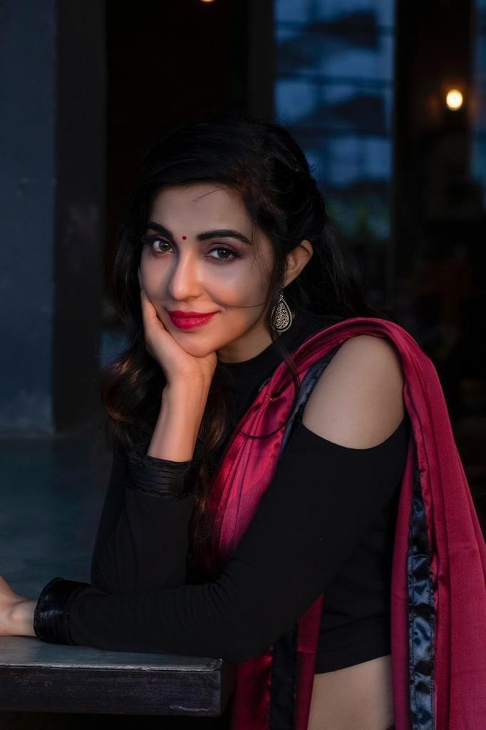 59+ Charming Photos of Parvati Nair 31