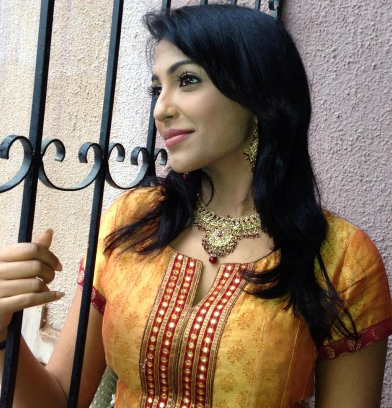 59+ Charming Photos of Parvati Nair 89