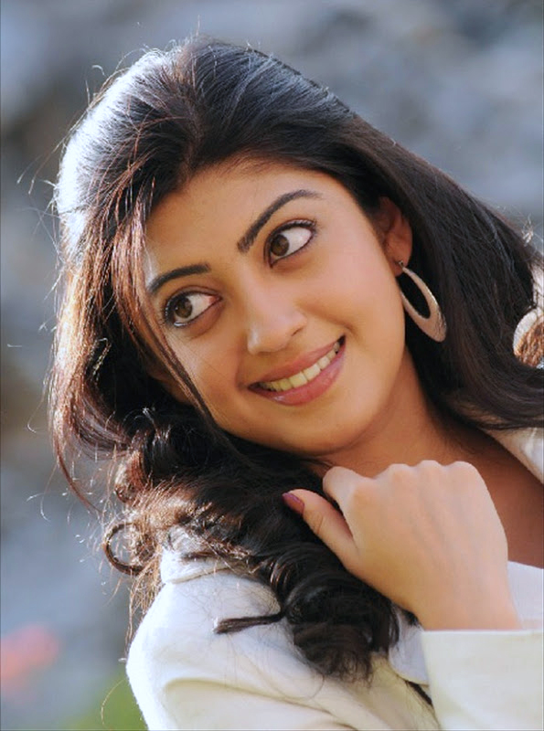 38+ Lovely Photos of Pranitha Subhash 112