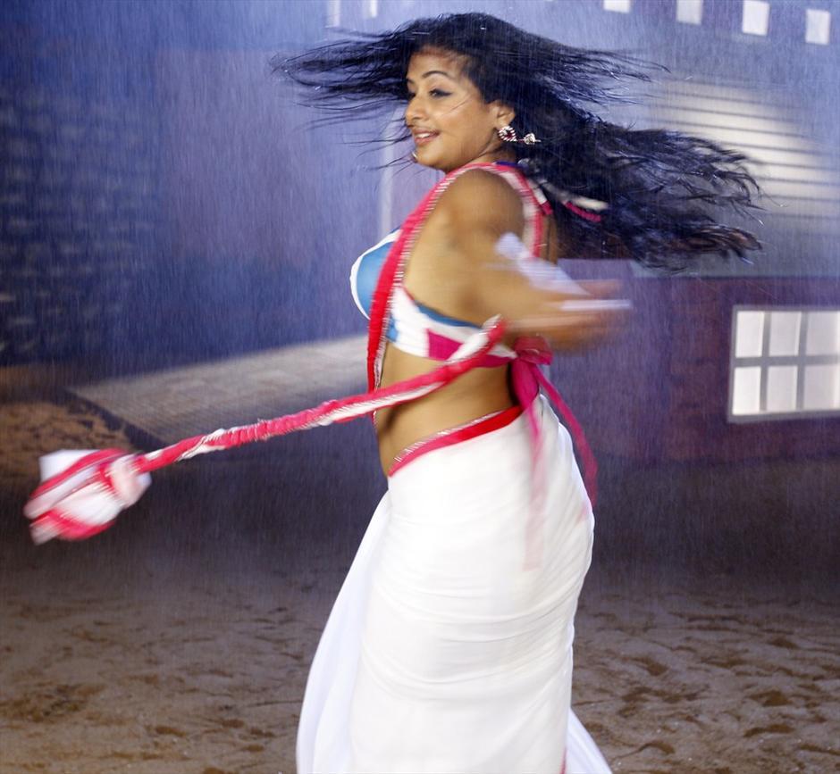 51+ Stunning Photos of Priyamani 34