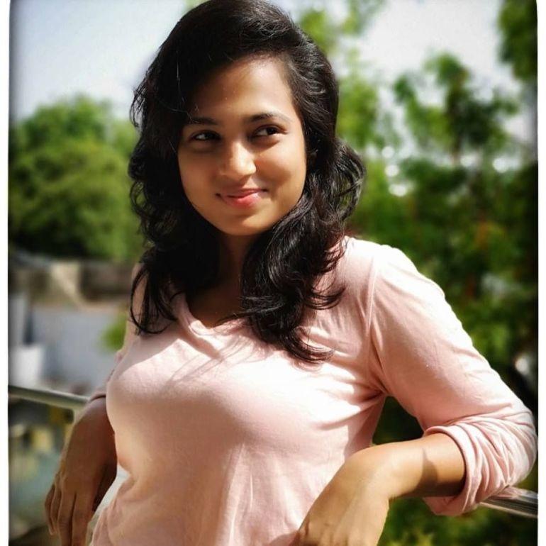59+ Gorgeous Photos of Ramya Pandiyan 35