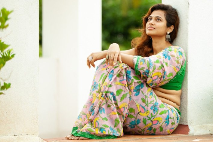 59+ Gorgeous Photos of Ramya Pandiyan 48