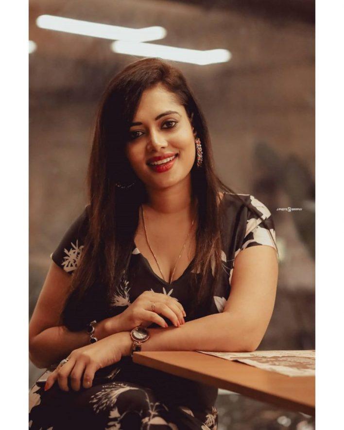 46+ Gorgeous Photos of Remya panicker 28