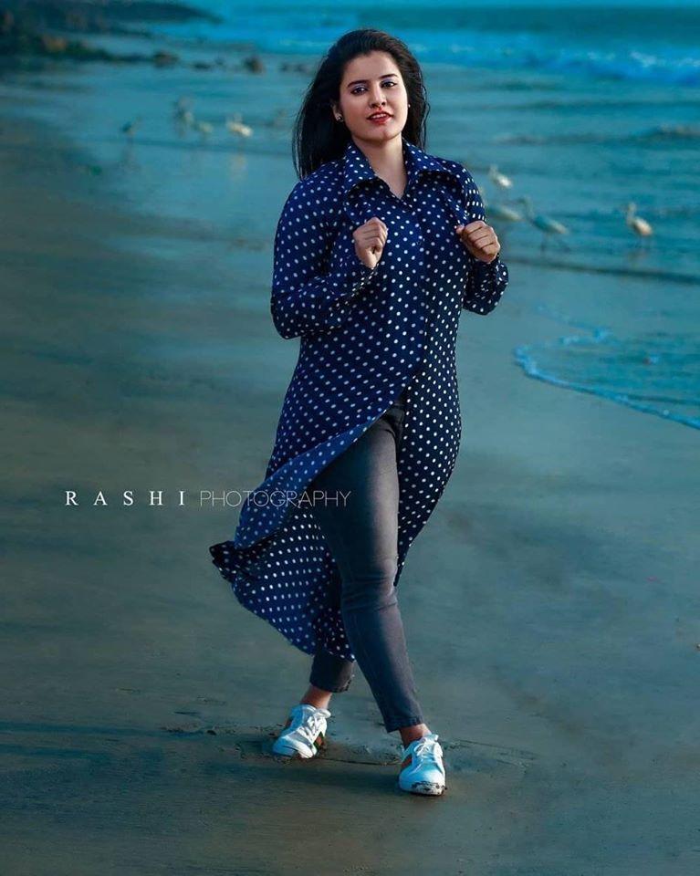73+ Gorgeous Photos of Roshna Ann Roy 21