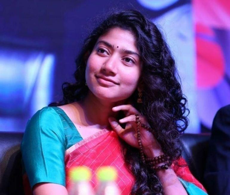 54+ Cute Photos of Sai Pallavi 100