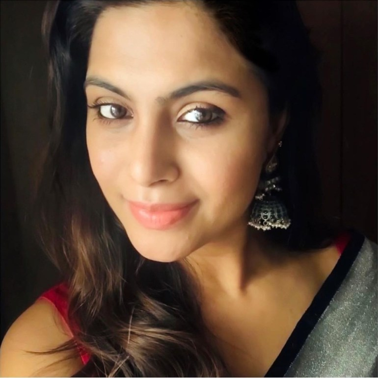 28+ Gorgeous Photos of Sruthi Ramakrishnan 97