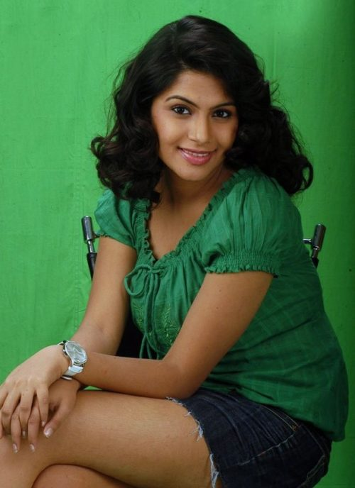 28+ Gorgeous Photos of Sruthi Ramakrishnan 100