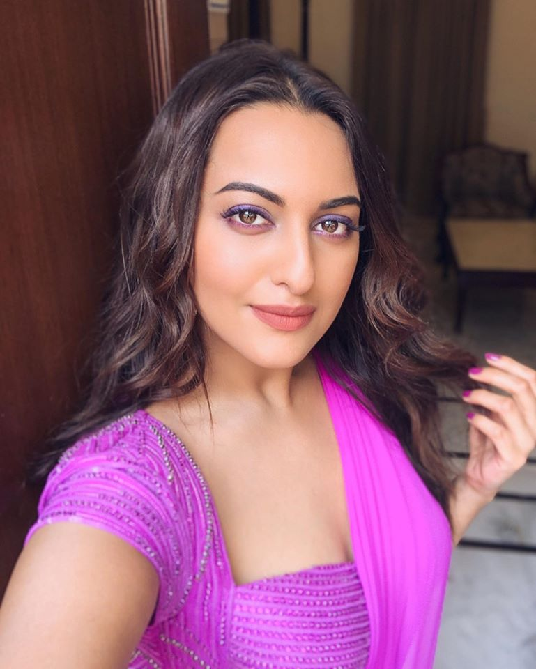57+ Gorgeous Photos of Sonakshi Sinha 111