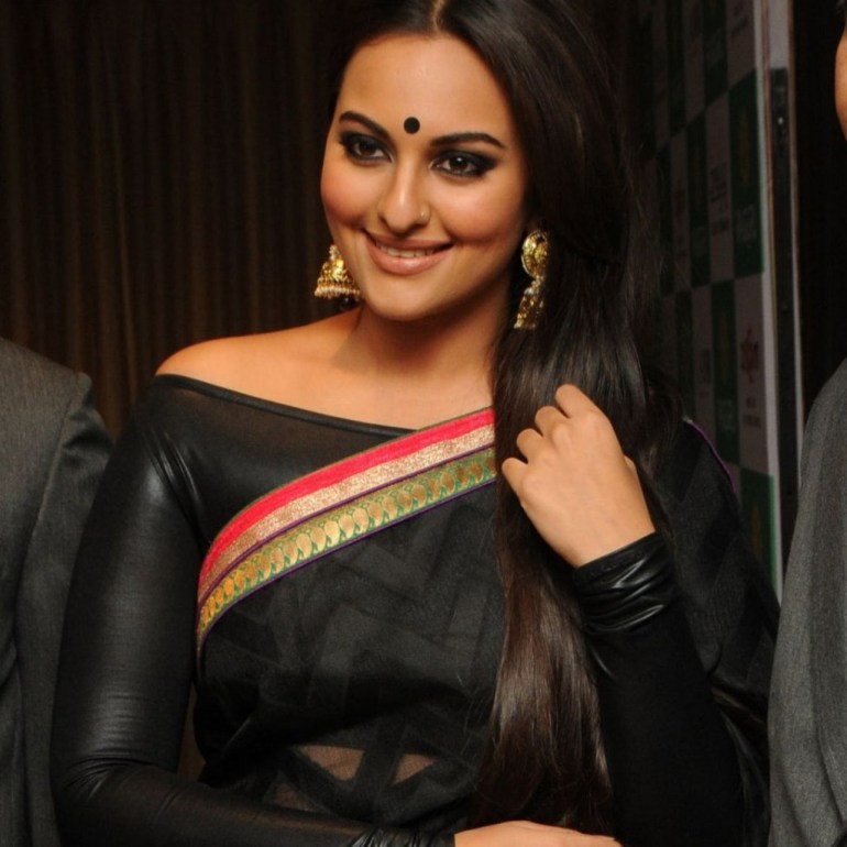 57+ Gorgeous Photos of Sonakshi Sinha 134