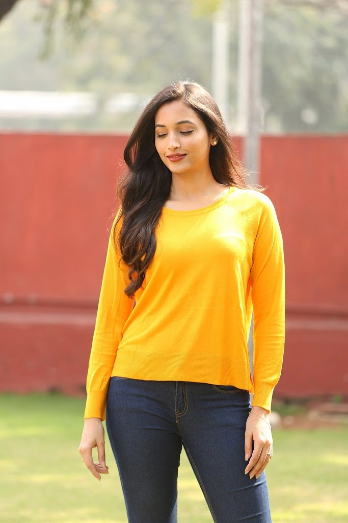 112+ Beautiful photos of Srinidhi Shetty 62